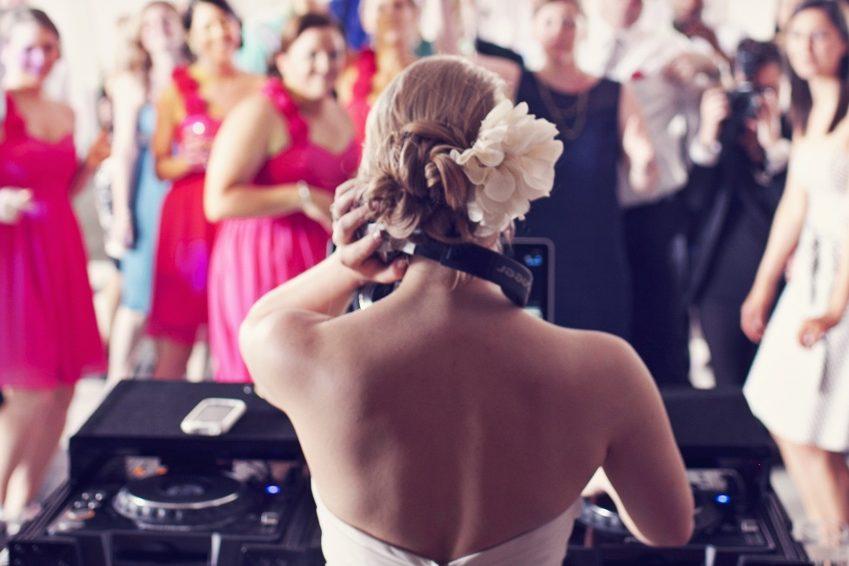 Ką reikia žinoti renkantis vestuvių DJ?